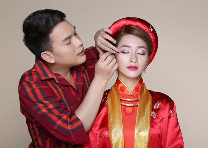 Bộ ảnh được thực hiện với sự hỗ trợ của model: Diễn viên Khả Ngân, photographer: Phan Thành Cân và Retouch: Phạm Đúng.