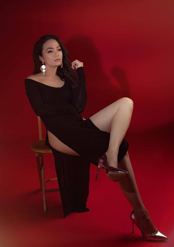 Ở tuổi ngoài 30, côvẫn mơ sẽ có một cuộc tình lãng mạn như trong các bộ phim Hàn Quốc. Sau khi ra mắt album Đừng gọi em là gái hư Tinna Tình tiếp tục ở ẩn, chưa có ý định tham gia dự án nghệ thuật nào.