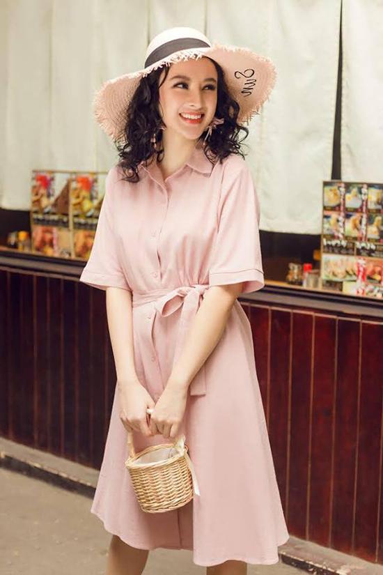 Sắc hồng nhạt được tín đồ thời trang ưa chuộng trong mùa hè