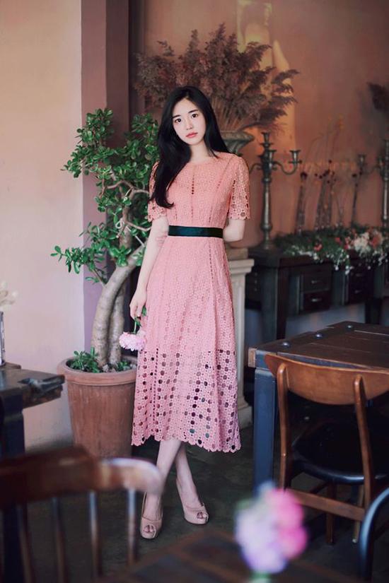 Sắc hồng nhạt được tín đồ thời trang ưa chuộng trong mùa hè - 6