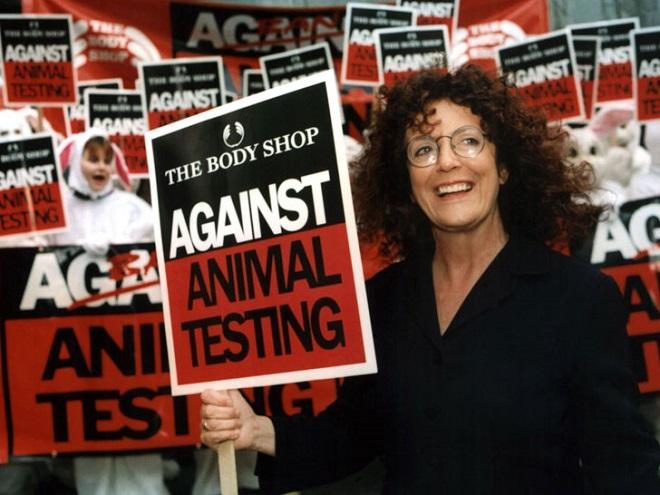 Anita luôn gắn hoạt động kinh doanh với các chiến dịch từ thiện, bảo vệ động vật. Ảnh: Inhabitat.