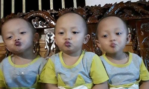 Ba cậu bé sinh ba tinh nghịch khiến mẹ trẻ 'muốn nổ tung'