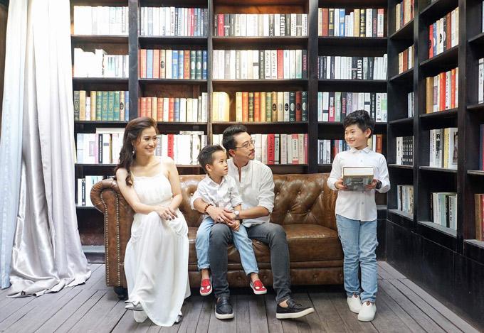 Vợ chồng Hứa Minh Đạt - Lâm Vĩ Dạ rất đắt show đóng phim và tham gia các chương trình truyền hình thực tế.