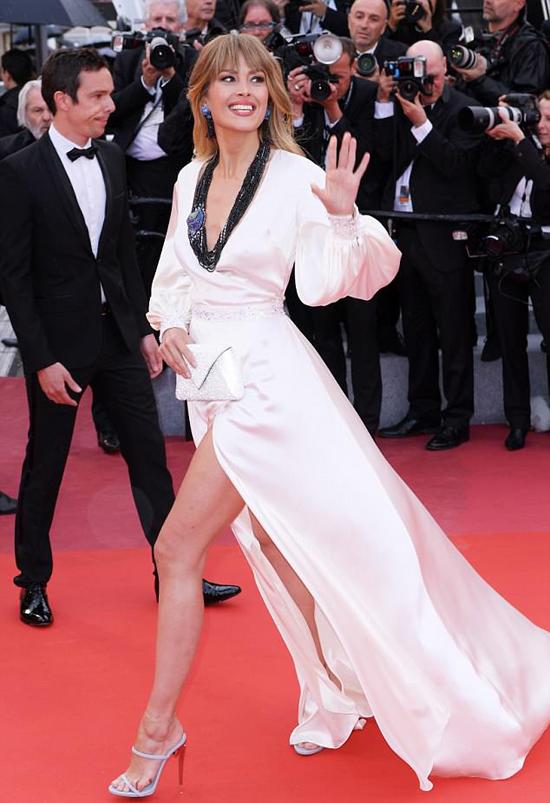Petra hiện là người mẫu, biên tập viên truyền hình và người sáng lập tổ chức từ thiện Happy Hearts Fund tại Czech. Cô đã tới tham dự liên hoan phim Cannes suốt một tuần nay.