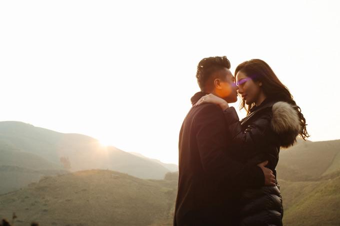 Lâm Vũ rất hạnh phúc vì cưới được cô vợ xinh đẹp, có chung nhiều sở thích và rất thông cảm với công việc của anh.
