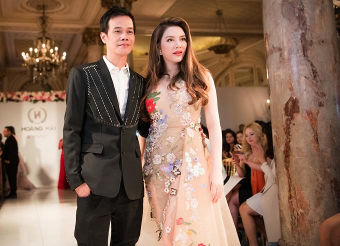 Lý Nhã Kỳ chia sẻ, cô rất vui vì lần đầu tiên có một nhà thiết kế Việt tổ chức buổi trình diễn sưu tập mới ở Cannes, gây chú ý với nhiều khán giả quốc tế.