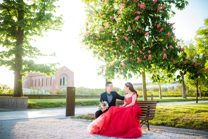 Bộ ảnh được thực hiện bởi Kellis Wedding Europe, trang điểm Hanhi Tong.