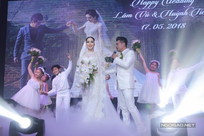 Lâm Vũ kể chuyện cầu hôn trước, yêu sau trong hôn lễ - ảnh 6