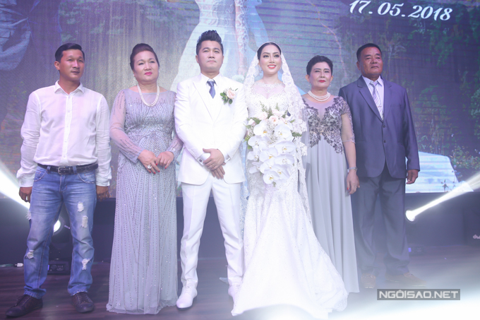 Lâm Vũ kể chuyện cầu hôn trước, yêu sau trong hôn lễ - ảnh 7