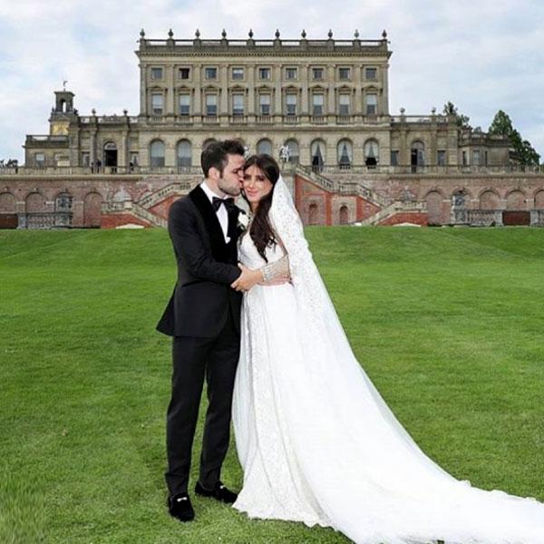 Đám cưới của Fabregas và Daniella Semaan tổ chức ởCliveden House, Berkshire. Địa điểm cũng là nơi diễn ra ngày vui của Hoàng tử Anh Harry và vợMeghan Markle.