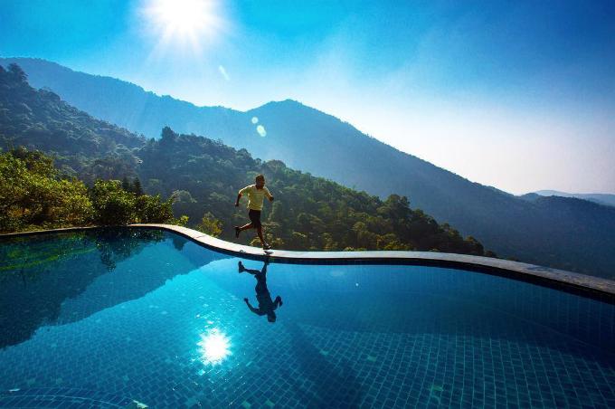 5 bể bơi vô cực giải nhiệt ngày nóng như đổ lửa ở miền Bắc - ảnh 6
