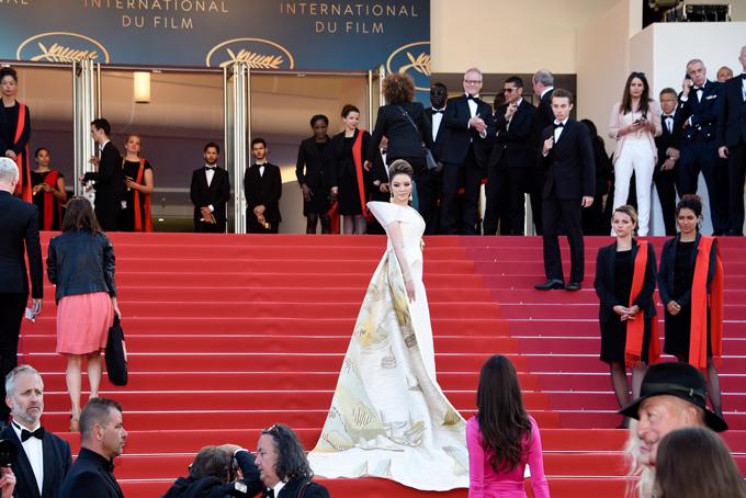 Lý Nhã Kỳ là nhân vật duy nhất của Việt Nam được chính ban tổ chức LHP Cannes mời sang Pháp dự sự kiện này với vai trò nhà đầu tư và đồng sản xuất phim, vừa là nhà bảo trợ quỹ Cinefoudation. Trong những ngày qua, Lý Nhã Kỳ tham gia nhiều hoạt động bên lề và được xuất hiện trên một số tạp chí của Pháp.