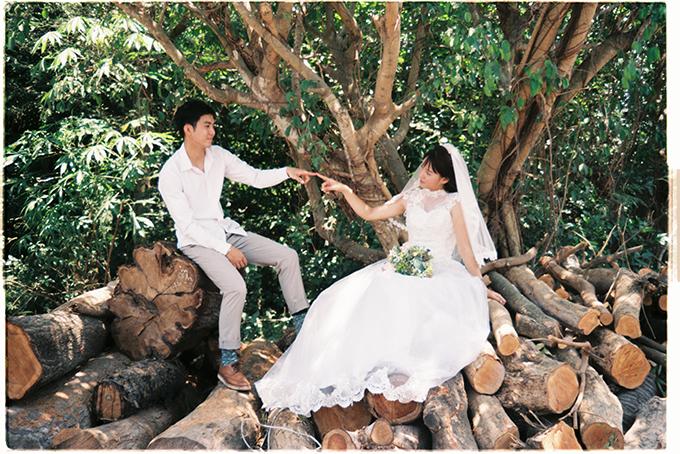 Người mẫu nữ của bộ ảnh cũng chính là em gái của Thái Sơn.