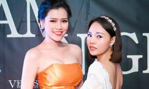 Doanh nhân Sarah Tú khoe lưng trần bên dàn người đẹp Việt tại Cannes