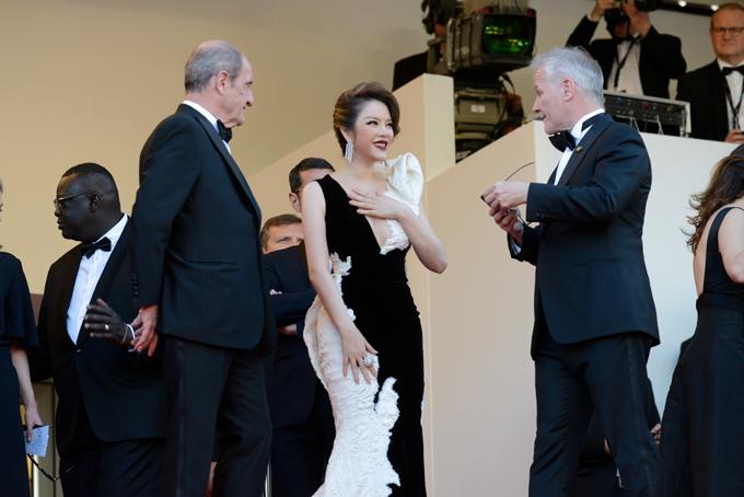 Cô cũng có nhiều mối quan hệ với các đạo diễn, nhà sản xuất quốc tế qua mỗi kỳ tham dự LHP Cannes.