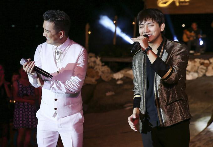 Đàm Vĩnh Hưng bất ngờ khi Hoài Lâm giả giọng giống hệt nghệ sĩ Hoàng Oanh. Anh gọi ca sĩ 9X là sát thủ bolero.