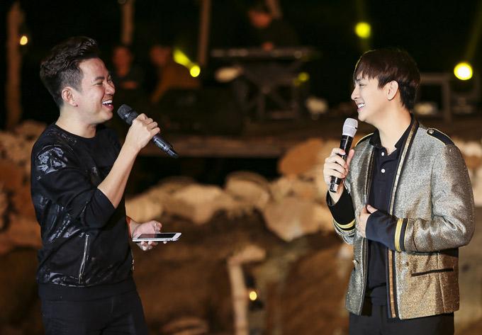 Ca sĩ Quốc Đại cũng có tiết mục song ca với Hoài Lâm.