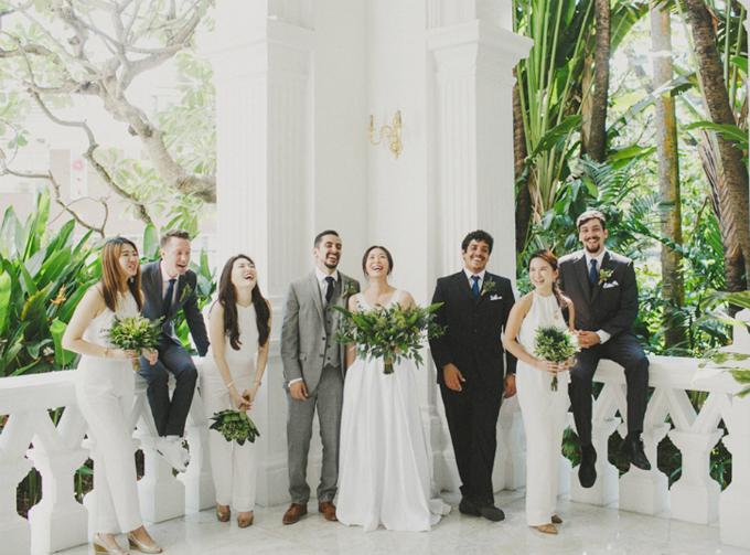 Một bó hoa mà lá nhiều hơn hoa cũng có thể là điển nhấn độc đáo được nhiều người nhắc đến trong hôn lễ của bạn.