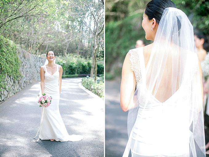 Một chiếc váy phù hợp với bạn:Một chiếc váy không vừa với dáng vóc cơ thể sẽ không giúp bạn trở thành cô dâu lộng lẫy trong tiệc cưới. Hãy thử các kích cỡ khác nhau của váy để chắc chắn rằng bạn được diện y phục phù hợp trong cả ngày dài.