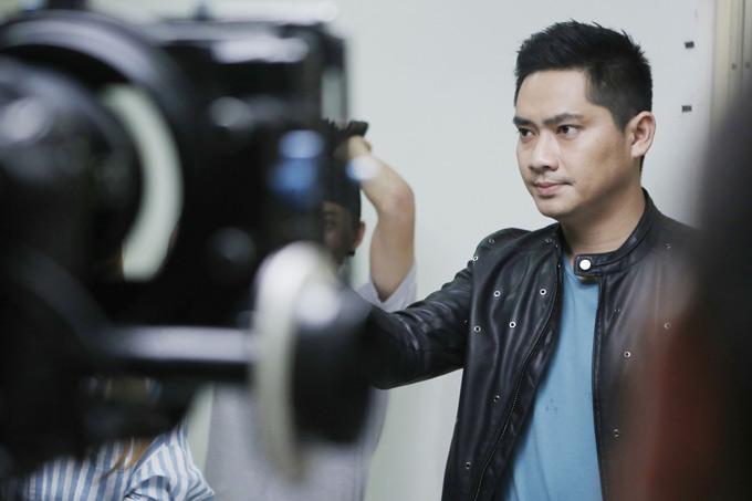 Minh Luân vừa đóng vai chính vừa kiêm vai trò nhà sản xuất của phim này. Lộ mặt dự kiến ra rạp vào ngày 29/6.