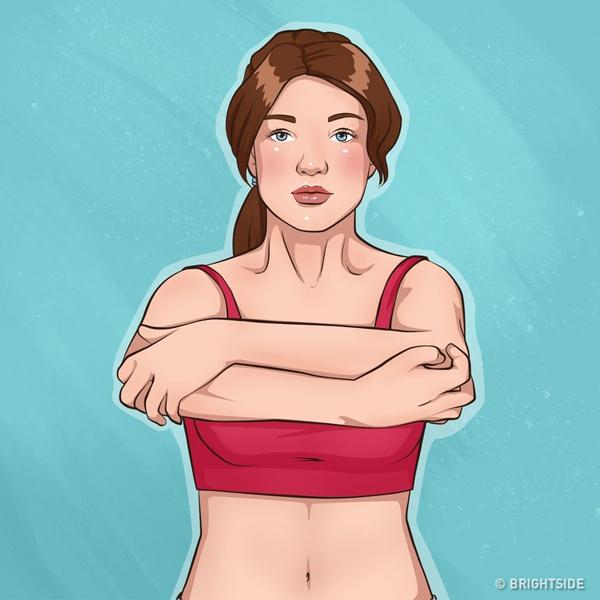 Đứng thẳng, hai khuỷu tay gập vuông góc trước ngực, tay này nắm vào cùi chỏ tay kia, thực hiện động tác nâng cao tay lên xuống 20 lần.