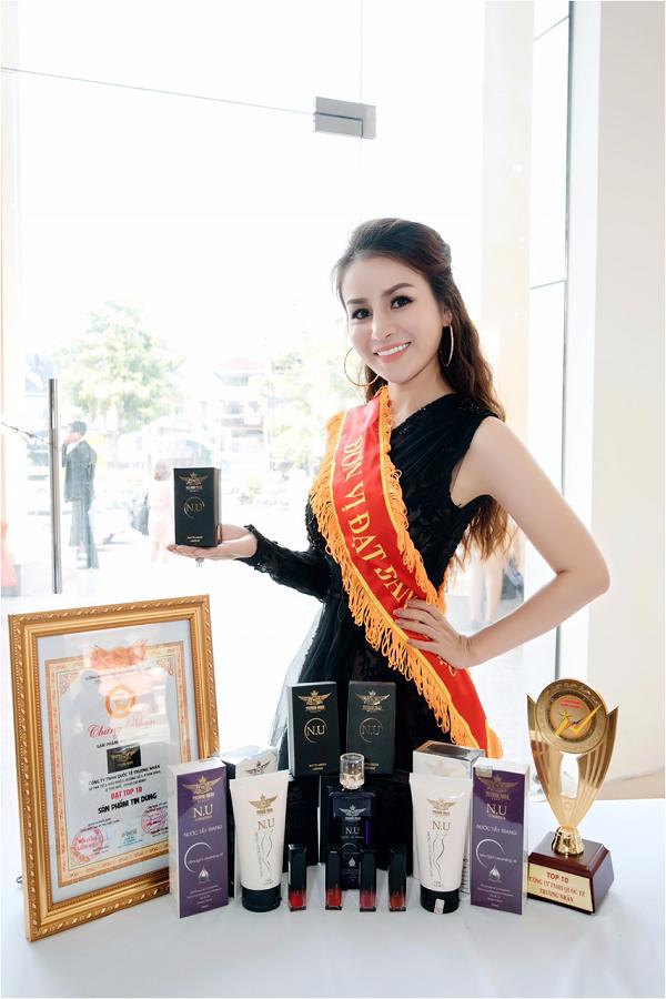 CEO Trương Nhân dự họp báo Miss World Bussiness 2018 - 5