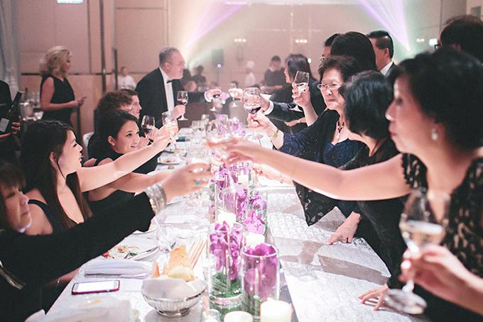 Không khí vui vẻ là điều cần có ở mỗi đám cưới.