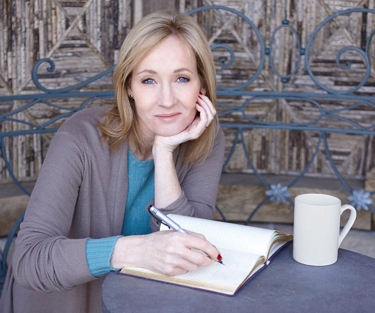 J.K. Rowling: Bà mẹ đơn thân thất nghiệp thành nhà văn tỷ phú - Ngôi sao