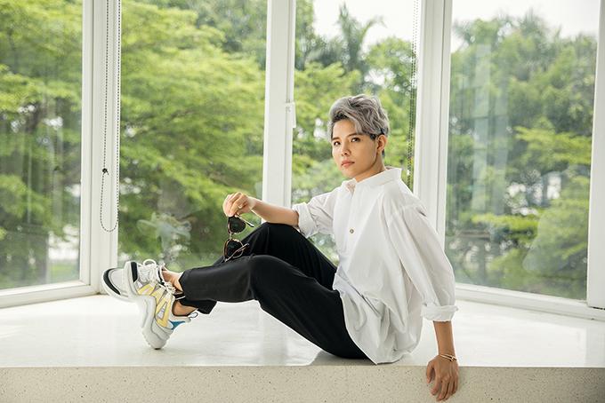 BST Be A Fool được Vũ Cát Tường kết hợp cùng một người bạn của cô là Nancy Lê  người sáng lập ra thương hiệu thời trang Việt nổi tiếng Nosbyn.BST Be A Fool sẽ được ra mắt vào tối 27/5 tại cửa hàng Nosbyn Nguyễn Trãi TP.HCM và có mặt rộng rãi toàn quốc từ ngày 28/5 sắp tới.