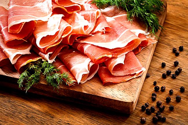 Giăm bông Parma Ham danh tiếng và đắt tiền từ Italy