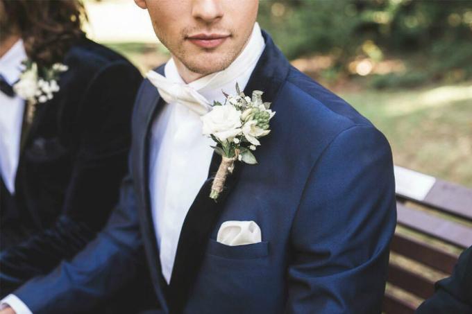 4 cách đơn giản để lên đời bộ vest cưới bình dân - 2