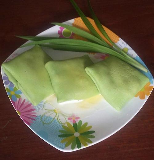 Bánh crepe sầu riêng vị dừa lá dứa - 3