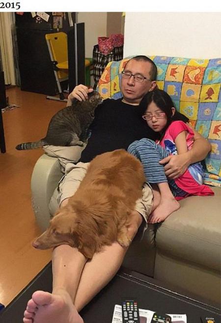 Những bức ảnh ngày ấy - bây giờ của ông bố Hong Kong với con gái và thú cưng - 3