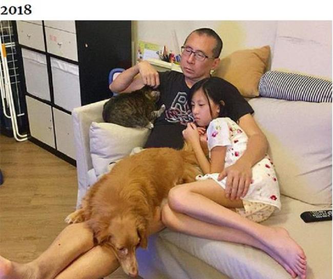 Những bức ảnh ngày ấy - bây giờ của ông bố Hong Kong với con gái và thú cưng - 6