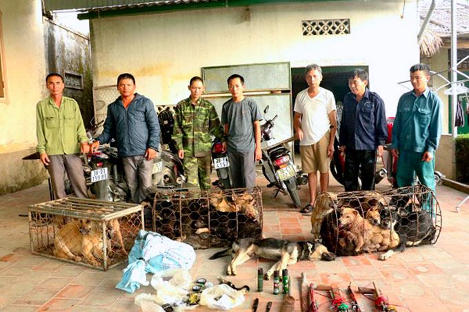 Những chân rết trong đường dây của ông Lộc đang bị cảnh sát tạm giữ. Ảnh: C.A