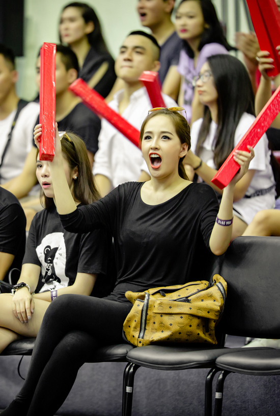 Hiện nay khi Việt Nam đã có nhiều đội bóng rổ chuyên nghiệp và thường xuyên tổ chức cácgiải đấu, Mai Phương Thuý bắt đầu quan tâm và thể hiện tình yêu với bộ môn thể thao này.