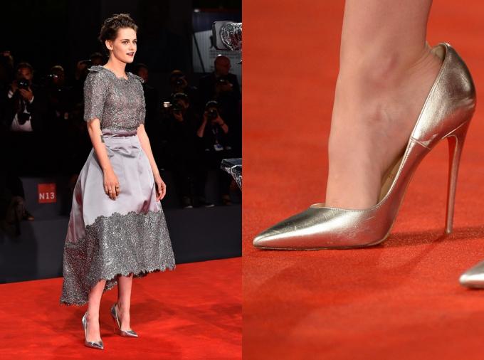 Trên thế giới, nhiều nghệ sĩ nổi tiếng như Kristen Stewart,Rosie Huntington-Whiteley... đềubảo vệ đôi chântheo cách thức đặc biệt này, nhất là khi phải mang những đôi giày mũi nhọn, độ dốc lớn.
