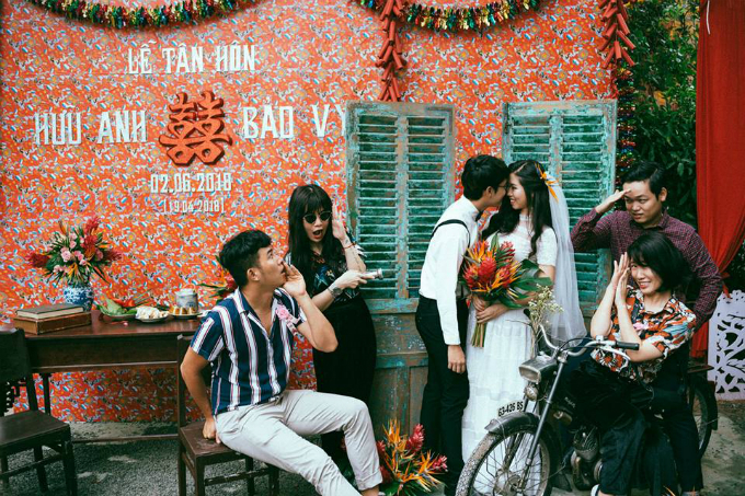 Sau đám cưới tại Tây Ninh, uyên ương tiếp tục tổ chức đám cưới tại Sài Gòn vào ngày 9/6/2018 với chủ đề Vũ trụ. Quê của cả hai xa nhau quá nên hai gia đình không thể quy về một hay hai địa điểm để tổ chức lễ cưới. Vì lẽ đó, cặp uyên ương mới tổ chức đám cưới tại Huế (quê nhà cô dâu), Tây Ninh (quê chú rể) và Sài Gòn (nơi chú rể làm việc và sinh sống).
