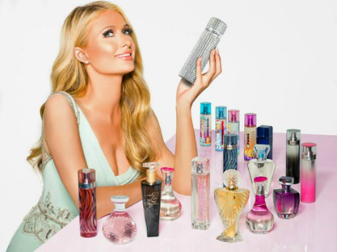 Paris Hilton đã sở hữu hơn 20 thương hiệu nước hoa khác nhau. Ảnh: Fragnantica.