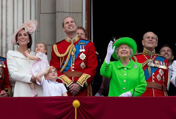 10 quy tắc hoàng gia nghiêm ngặt Công chúa Charlotte phải tuân thủ - 9
