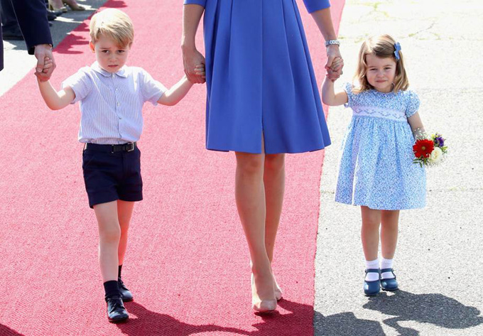 10 quy tắc hoàng gia nghiêm ngặt Công chúa Charlotte phải tuân thủ - 2