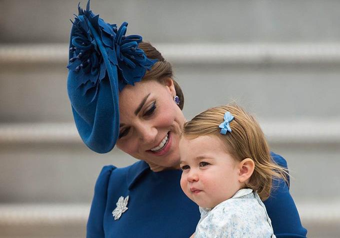 10 quy tắc hoàng gia nghiêm ngặt Công chúa Charlotte phải tuân thủ - 3