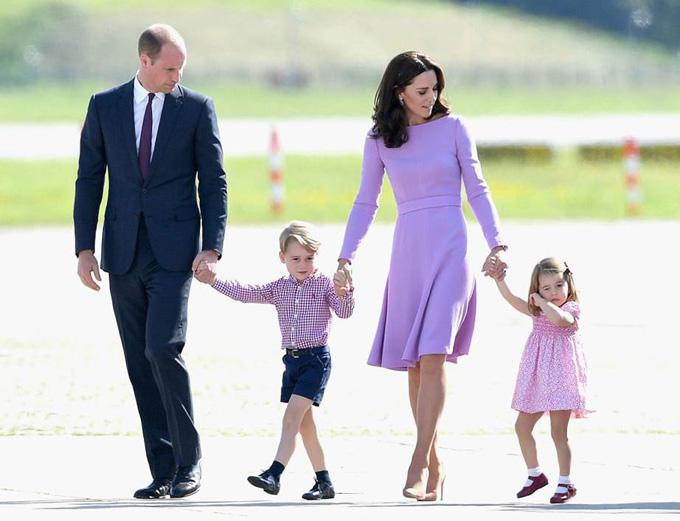 10 quy tắc hoàng gia nghiêm ngặt Công chúa Charlotte phải tuân thủ - 5