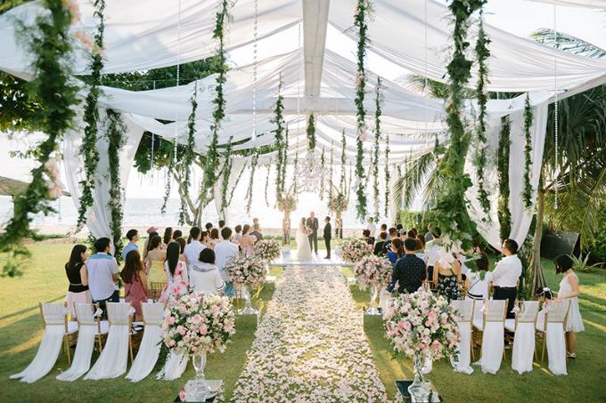 Cô dâu chú rể cần tính toán kỹ lưỡng và bàn bạc với nhau để lễ cưới là ngày vui nhất của cuộc đời. Ảnh: brideandbreakfast