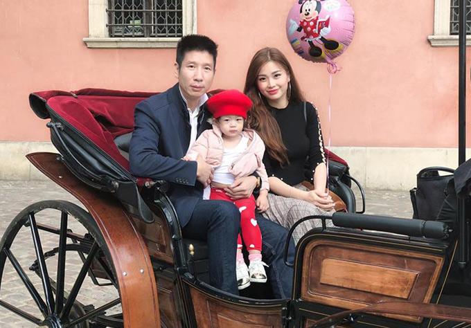 Gia đình cô còn đến thăm đấtnướcBa Lan - nơi ông xã Diễm Trang từng sống hơn 20 năm.