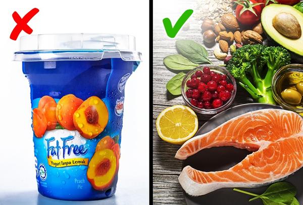 Loại bỏ chất béo ra khỏi chế độ ănChất béo là dưỡng chất rất cần thiết cho cơ thể để tạo năng lượng, giúp bạn giữ ấm, sản sinh tế bào và các hócmôn. Chất béo cũng tốt cho não, tim, quá trình hấp thụ vitamin. Không phải chất béo nào cũng là xấu. Chất béo đồng phân (trans fat) nên bị loại bỏ khỏi chế độ ăn còn chất béo không bão hòa thì lại rất tốt cho sức khỏe. Chất béo không bão hòa có nhiều trong cá hồi, các loại rau lá xanh, các loại hạt, trái bơ...