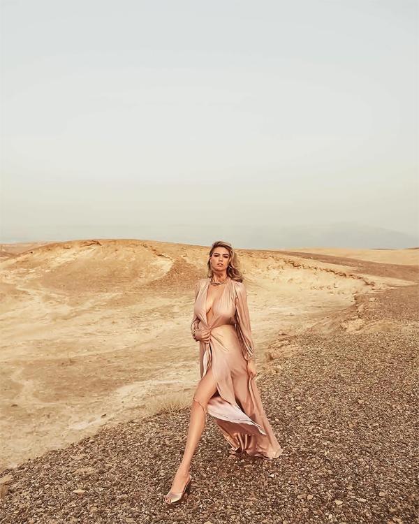 Bộ ảnh của Kate Upton được thực hiện tại sa mạc ở Israel.