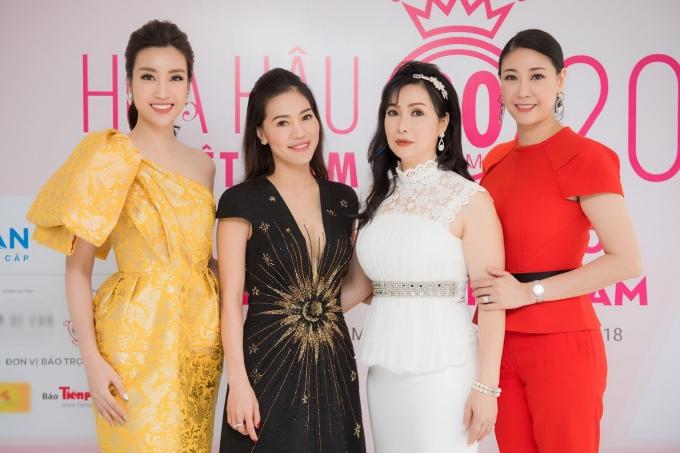Đỗ Mỹ Linh khoe vai trần khi đi chấm Hoa hậu Việt Nam 2018 - 8