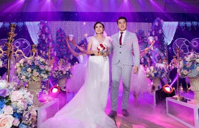 Nghi thức lễ cưới mẫu theo phong cách Hiện đại đậm chất ngôn tình.