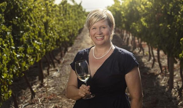 Penny, sinh năm 1967,lọt danh sách những người có thu nhập cao nhất nước Anh doSunday Times Rich Listbình chọn.